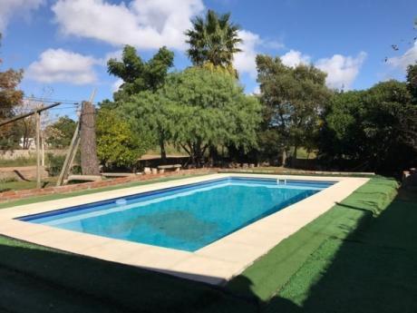 Buen Chalet Norte Con Parrillero,y Piscina Y Apartamento De Servicio En 1100 M2