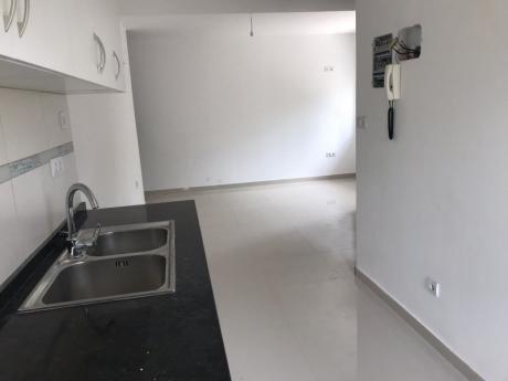 Divino Apartamento, Cerca De Playa Y Centro Comercial