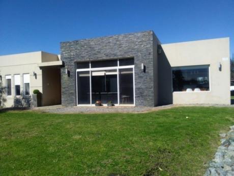 Venta - Real De San Carlos - Moderna Casa