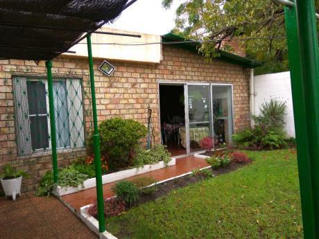 Venta 2 Casas En Un Mismo Padron, Maroñas