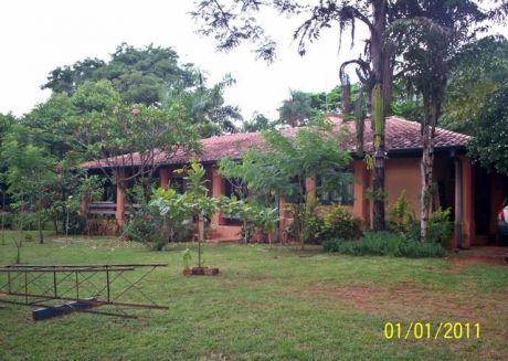 Casa Quinta En Aregua Sobre Asfalto