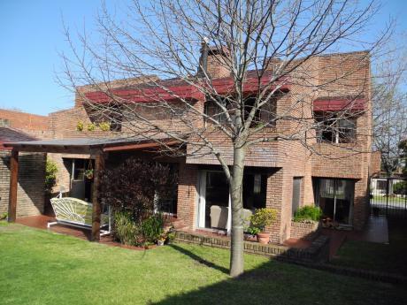 DueÑo Vende En Carrasco Sur - Excelente Estado - 4 Dormitorios Y Servicio