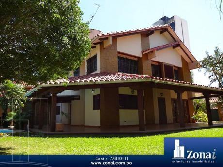 Hermosa Casa En Venta En La Av. Beni