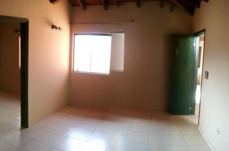 Alquilo Departamento De 1 Dormitorio Amplio A Pasos De Lillo Y Denis Roa.