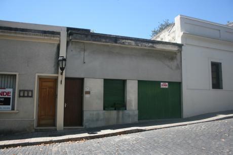 Muy Buena Residencia En Pleno Barrio Historico 4 Dor,