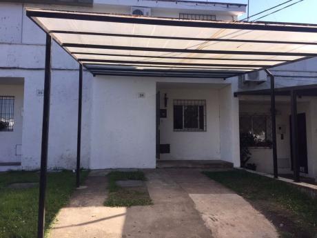 Vivienda En Duplex , 2 Dormitorios Y Baño En Planta Alta, Cocina -com.living P7b