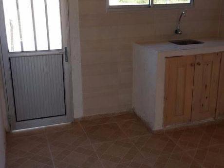 Casa , 2 Dorm ,cocina-comedor-living-integrados, Baño Patio Y Fondo