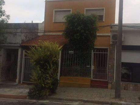 Excelente Casa De 2 Pisos 4 Dorm 2 Baños Pueblo Nuevo