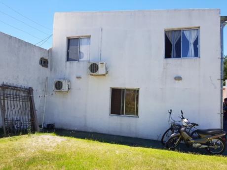 Casa De 175 M2 Edif.en 2 Plantas Con Salon En Planta Alta