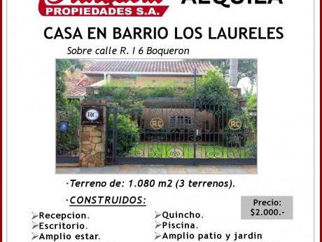 Casa En Barrio Los Laureles!