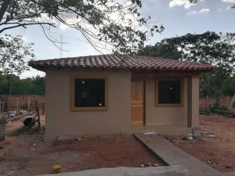 Vendo Casa A Estrenar En Villa Elisa, A Una Cuadra De Von Polesky