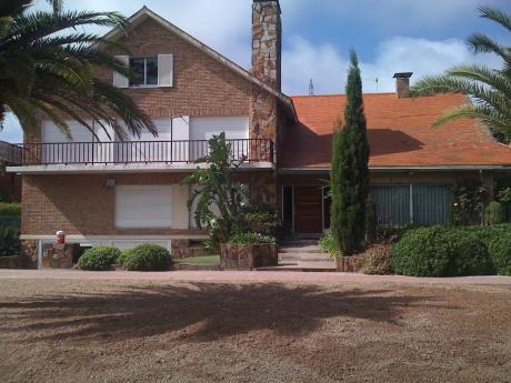Duplex, Muy Próximo Al Centro De Carrasco