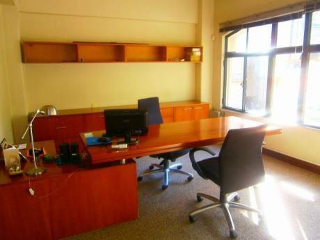 Oficina Ciudad Vieja- Pza.matriz  80 M2