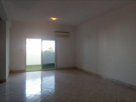 Departamento De 2 Dormitorios En Barrio Jara A Pasos De La Avenida Brasilia