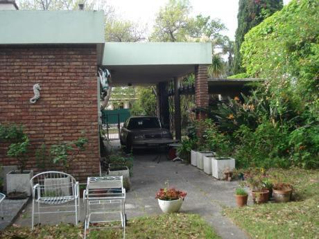 Casa En Carrasco, Calle Mariano Uriarte, 3 Dormitorios