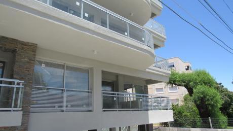 Apartamentos En Solares De Araus, 2 Dormitorios, Unidad 109