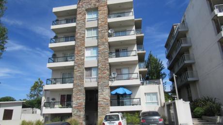 Apartamento En Edificio Due Terre, 1 Dormitorio Unidad 103