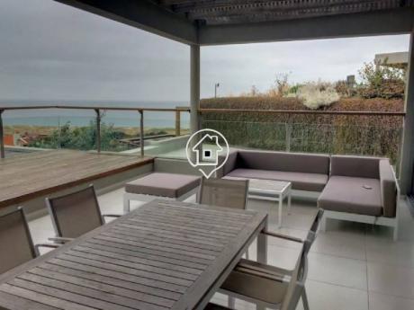 Apartamento En Alquiler Frente Al Mar Punta Ballena Altamar - Ref: 102