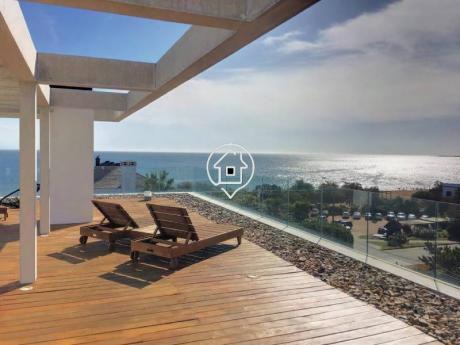 Apartamento Frente Al Mar Dos Dormitorios Playa Mansa Punta Del Este - Ref: 119