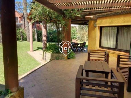 Casa En Alquiler Anual Pinares Punta Del Este - Ref: 131