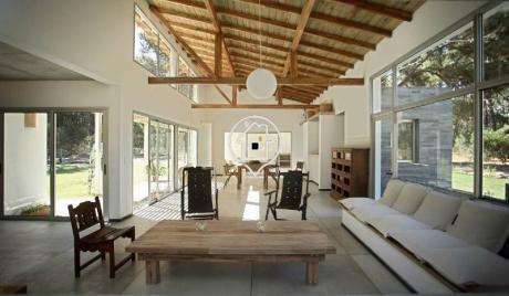 Casa En Alquiler Playa Brava Rincon Del Indio Parrillero Amplia Terazza - Ref: 18