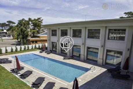 Apartamento Punta Del Este Piscina Parrillero Apto 4 Personas Place Lafayette - Ref: 44