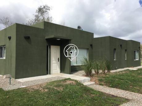 Casa En Punta Ballena Barrio Privado Tres Dormitorios Parrillero Piscina Verdemora - Ref: 55