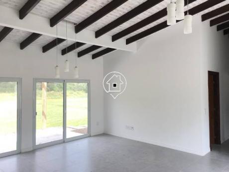Casa En Punta Ballena A Estrenar Tres Dormitorios Barrio Privado En Alquiler Anual - En Venta - Ref: 56