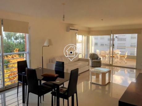 Apartamento Amplio De Dos Dormitorios, Terraza Con Parrillero, Piscina, Punta Del Este - Ref: 5