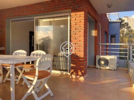 Apartamento Amplio De Dos Dormitorios, Terraza Con Parrillero, Alquiler Anual  Punta Del Este - Ref: 5