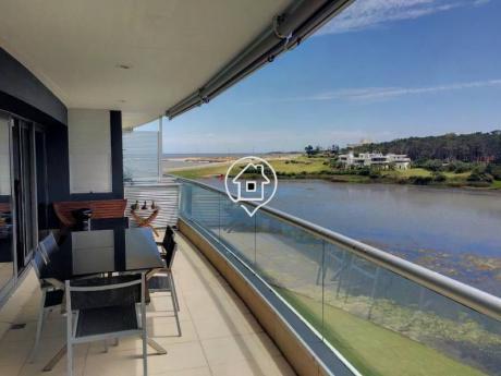 Apartamento 3 Dormitorios Con Piscina Playa Mansa Punta Del Este - Ref: 65