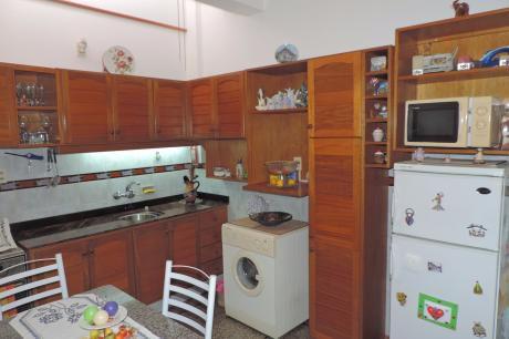 Venta Apartamento En Brazo Oriental Dos Dormitorios Tipo Casita