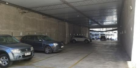 Excelente Local Para Estacionamiento Parking, Impecable