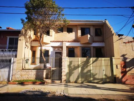 Vendo Hermosa Casa A Una Cuadra De La Av Brasilia