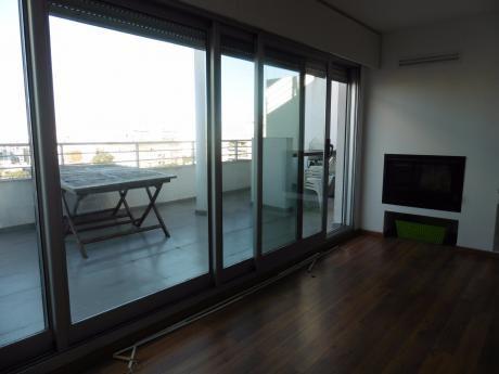 Alquiler De Apartamento De 2 Dormitorios En Pocitos Con Garaje Para 2 VehÍculos
