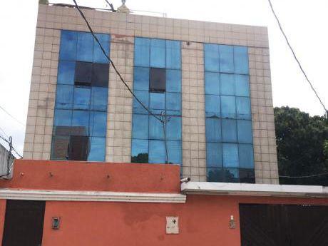 Casa, 4 Plantas, Con Espacio Comercial Y Oficinas