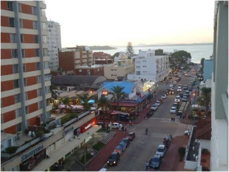 Apartamentos En Península: Dga1062a