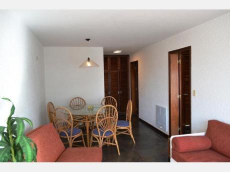 Apartamentos En Playa Brava: Dga1992a