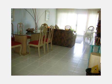 Apartamentos En Playa Mansa: Dga461a