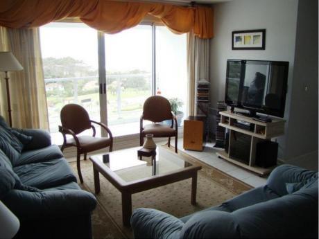 Apartamentos En Playa Mansa: Dga471a