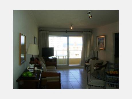 Apartamentos En Playa Mansa: Dga630a