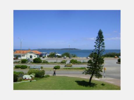 Apartamentos En Playa Mansa: Dga674a