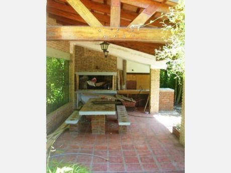 Casas En Pinares: Dga687c