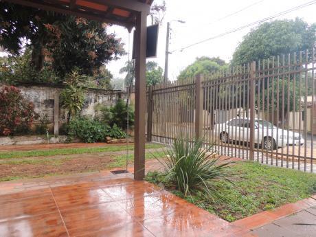Alquilo Bo. Felicidad Lambare Hermosa Casa