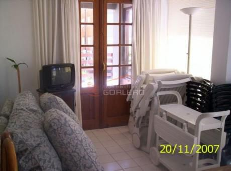 Apartamentos En Península: Gor1000a
