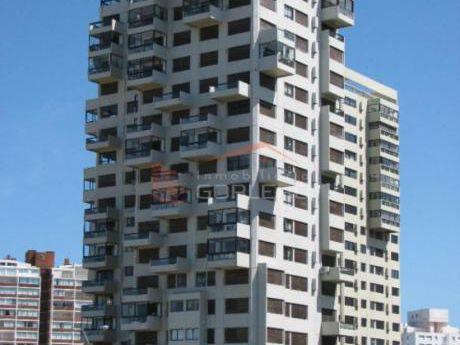 Apartamentos En Playa Brava: Gor16010a