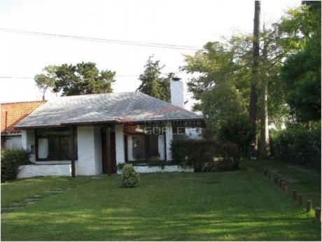 Casas En Playa Mansa: Gor17299c