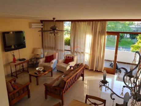 Casas En Playa Mansa: Gor18400c