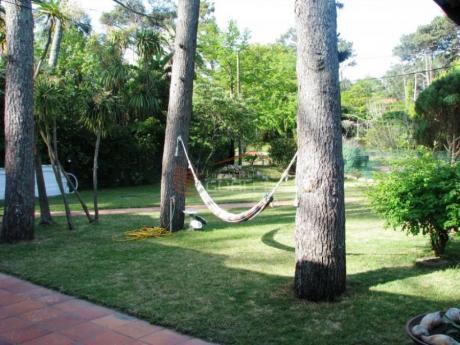 Casas En Playa Mansa: Gor18429c