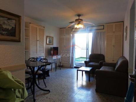 Apartamentos En Península: Gor22053a